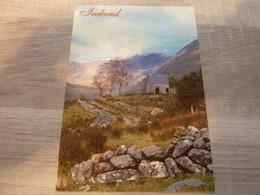 IRELAND - LANDSCAPE  - EDITIONS JOHN HINDE - - Dublin
