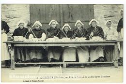 56 - CPA - QUIBERON - Mises En Boites De La Sardine - Artisanat - Conserverie - Pêche       ***BELLE CARTE*** - Sonstige Gemeinden
