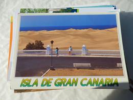 Lot De 250 Cartes Tous Pays Etranger Neuves Et écrites 8 - 100 - 499 Postcards