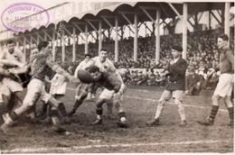 PHOTO ORIGINALE D'un Match De Rugby MONTFERRAND Contre TOULON,circa 1930. - Rugby
