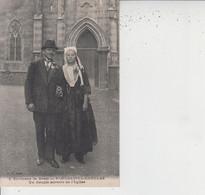 29 Environs De Brest  -  PLOUGASTEL-DAOULAS  -  Un Couple Sortant De L'Eglise  - - Plougastel-Daoulas
