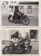 Audegem - Oudegem 1939 - 2 Oude Foto's Van Moto's - - Motorfietsen