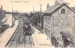 92 - PUTEAUX : La Gare ( Bon 1er Plan Train à Vapeur Entrant En Gare ) CPA - Hauts De Seine - Puteaux