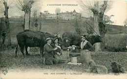 Cpa BEAUREGARD L'EVEQUE 63 - Aux Champs - Le Déjeuner - L' Auvergne Pittoresque ( Vue De Mirabeau ) - Otros Municipios