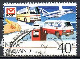 NOUVELLE ZELANDE. N°954 Oblitéré De 1987. Bus/Avion/Fourgonnette. - Bus
