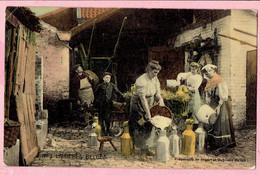 N° 2 Laitières Belges - Préparatifs De Depart Et Baptême Du Lait - Street Merchants