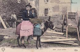 JEUNE LAITIERE (ANA) - Auvergne