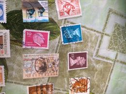 TURCHIA UOMINI ILLUSTRI ROSA  1 VALORE - Briefmarken