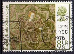 GRANDE BRETAGNE N° 814 O Y&T 1976 NOEL Tapisserie Médiévale - 1952-.... (Elisabetta II)