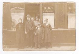 Carte Photo VOIR ZOOM Famille Devanture Commerce Café Marchand De Vin Petit Homme Au Cigare PUB Bière Karcher - Caffé