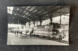 PhotoLocomotive BB 9200 9292 SNCF Rouge Capitole Talgo Paris Austerlitz 1975 Train Gare - Eisenbahnen