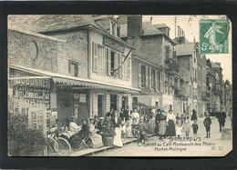 CPA - ST VALERY SUR SOMME - L'Apéritif Au Café Restaurant Des Pilotes, Très Animé - Saint Valery Sur Somme
