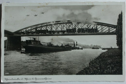 Germersheim Rheinbrücke Und Rhein Bahnbrücke Güterzug Schiffe Ugl - Puentes