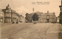 Belgique - Péruwelz - Grand'Place Et L' Hôtel De Ville - Péruwelz