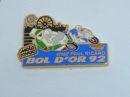 Pin's MOTO, BOL D OR 92, SPONSOR MOTO REVUE, Signe AMC - Motorfietsen