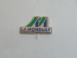 Pin's ASSURANCES LA MONDIALE - Banks