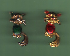 CHAT *** Lot De 2 Pin's Differents *** 0073 - Tiere