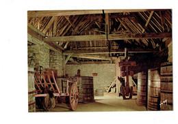 Cpm - 21 - Chateau Du Clos De Vougeot - La Cuverie - Cuve Tonneau Pressoir - Yvon 12-906 - Otros Municipios
