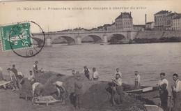 Loire - Roanne - Prisonniers Allemands Occupés à Charrier Du Sable - Roanne