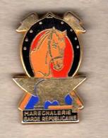 Pin's  Maréchalerie Garde Républicaine Doré Zamac Ballard - Army