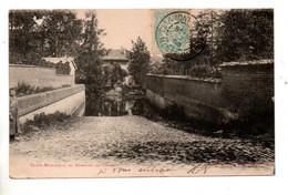 51 - SAINTE-MENÉHOULD . ABREUVOIR SUR L'AISNE - Réf. N°10857 - - Sainte-Menehould