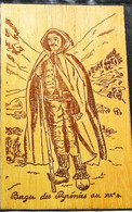 CARTE EN BOIS  Wooden Card  Berger Shepherd Des Pyrénées - Altri