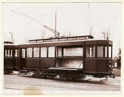 X94005 Rare PHOTOGRAPHIE ROL 1910s 1er Voiture Du TRAMWAY FUNERAIRE De VINCENNES Val Marne Peu Commun CPTRAIN - Treni