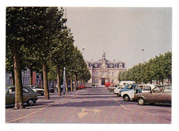 ANZIN-- Place Roger Salengro ( Voitures Dont Renault ) ..à Saisir - Anzin
