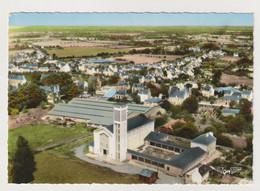 D 56 - VANNES - L'Eglise Saint-Pie X - CPSM Couleur Signée Gaby - Non Voyagée - Vannes