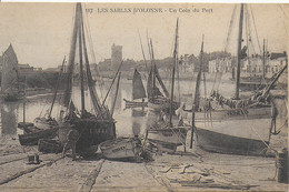 Les Sables D'Olonne - Un Coin Du  Port ( Bateaux De Pêche) - Sables D'Olonne