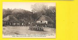 Maison Du Missionnaire Et Chapelle Dans Un Village Papouasie Nouvelle Guinée - Papua Nuova Guinea