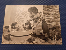 Mecki. Hedgehog -   - Old Postcard - Having Bath - Ohne Zuordnung