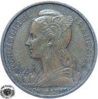 LaZooRo: Madagascar 10 Francs 1953 XF - Madagascar