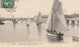Brest 29 (2518) Rentrée Des Barques De Pêche - Brest