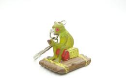Vintage THE MUPPETSHOW : Kermit The Frog On Raft TM Henson Keychain - 1980's - Figurines