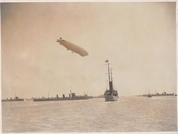 """1545""""FOTO-B.MUSSOLINI SU R.N"""".GIULIANA"""" PASSA IN RIVISTA LASQUADRA NAVALE AD OSTIA"""" 16/7/1927 DIRIGIBILE ESPERIA - Guerre, Militaire"""
