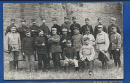 Carte Photo   Groupe De Militaire Français Du 88° Régiment  écrite En 1917 - Reggimenti