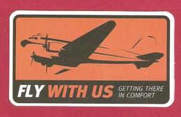 AUTOCOLLANT ADHÉSIF STICKER - AVION PLANE DOUGLAS DC 3 - COMPAGNIE AÉRIENNE FLY WITH US - AIRLINE COMPANY COMPAÑÍA AÉREA - Autocollants