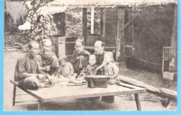 Vietnam-Indochine- Tonkin- Saïgon (Hô Chi Minh Ville) Famille Annamite Prenant Son Repas-circulé En 1907-OLD POSTCARD - Vietnam