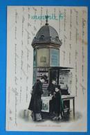 106 - PARIS - METIERS - MARCHANDE DE JOURNAUX - PIONNIERE 1901 - Ambachten In Parijs