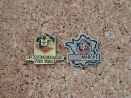 LOT DE 2 PINS MARQUE MAGASIN INTERMARCHE LES MOUSQUETAIRES - Trademarks