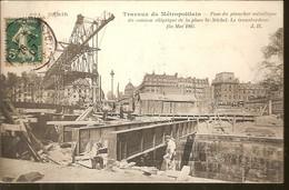 115 - PARIS - METROPOLITAIN - LES TRAVAUX DU METRO - POSE PLANCHER METALLIQUE CAISSON PL. SAINT-MICHEL 1907 TRANSBORDEUR - Metro, Stations