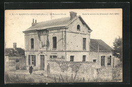CPA Magneux-Les-Fismes, La Mairie Et L`Ecole - Fismes
