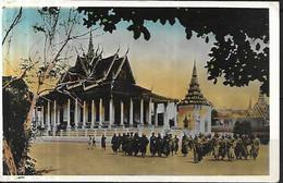 PHNOM PENH Bonzes Devant Pagode D'Argent  CSM 1949 - Cambodia