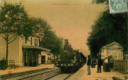07 SARRAS La Gare - Locomotive Vapeur CPA L. Charvat EN L'ETAT - Altri Comuni