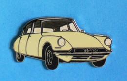 1 PIN'S //   ** CITROËN / DS 19 - 11 CV / 1955 ** . (J.Y SEGALEN Collection) - Citroën