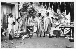 BENIN COTONOU Pagnes En Raphia Tisse Habillement De Luxe De La Femme Yorouba 1(scan Recto-verso) MA213 - Benin