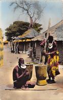 TCHAD AEF L Afrique En Couleurs Femmes A Plateaux Pilant Le Mil 3(scan Recto-verso) MA201 - Chad