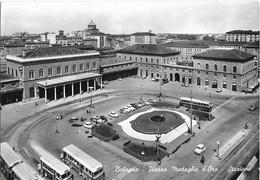 CPSM - BOLOGNA - Piazza Medaglie D'Oro - Stazione ( Bus, Voitures) - Bologna
