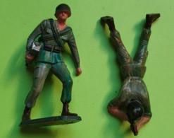 Lot 2 Figurines Soldat Jouet STARLUX - Plastique - ARMÉE DE TERRE - Tireur - état D'usage : Cassé - Années 1960 - Starlux